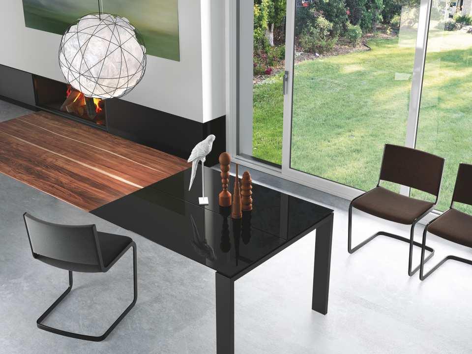 Tables et chaises meubles design mobilier et luminaires for Meubles en rotin suisse
