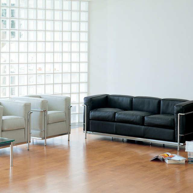 Pr sentation meubles design mobilier et luminaires for Le corbusier meuble