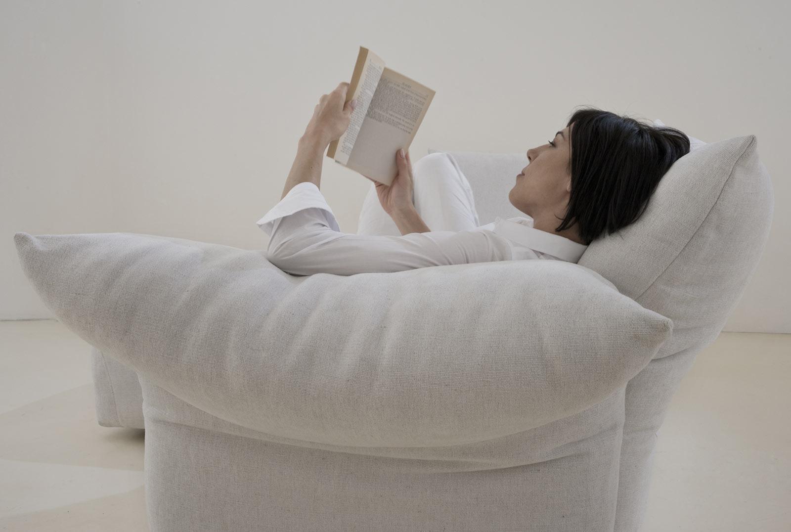 Pr sentation meubles design mobilier et luminaires for B architecture delemont